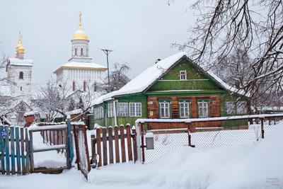 Русская деревня зимой деревня церковь деревянный домик дом деревенский зима снег Россия