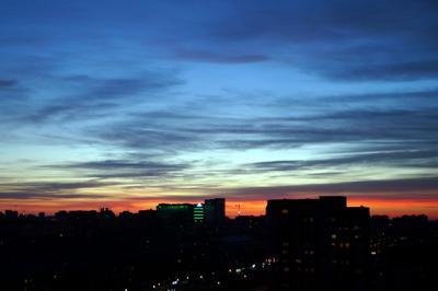 Закат в городе город закат Тюмень небо