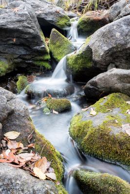 Сказочный ручей ручей камни осень водопад Урал скалы вода