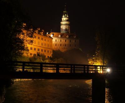 Ночь под замком замок, река, ночь