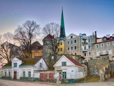 На окраине старого города Таллин старый город улица