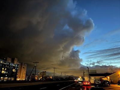 а над городом плывут облака... дорога облака рыбный магазин стоп сигнал