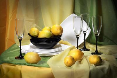 Лимоны лимоны бокалы тарелки