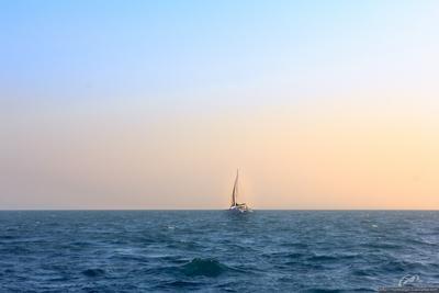 Одинокий парус яхта Таиланд