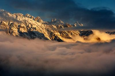 Рассвет в горах Северного Кавказа