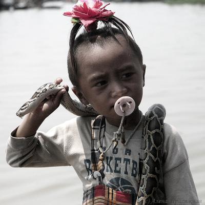 Сегодня будет праздник камбоджа рыбацкая деревня девочка