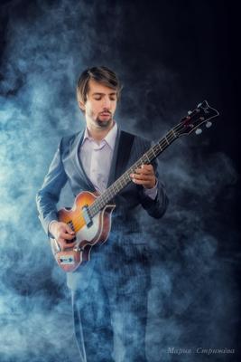 Музыкант музыкант гитара музыка мужчина студия