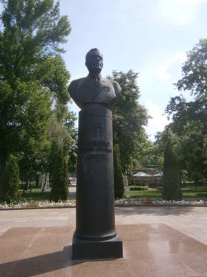 Памятник Громыко. Гомель, Белоруссия. Гомель Громыко