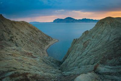 В море плавится закат Крым Тихая бухта