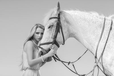 My Horse девушка лошадь чб