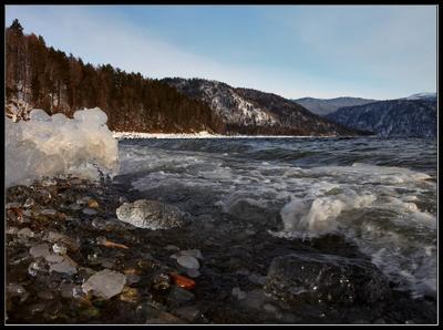 Лед и камни... телецкое озеро