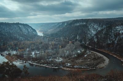 Белая река река природа пейзаж осень пасмурно облака парк заповедник путешествия поход туризм горы