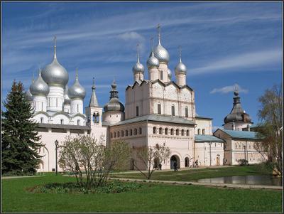 Ростовский Кремль. Успенский собор и Церковь Воскресения