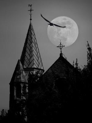 Тайны полной Луны. Крымская церковь.Стамбул.