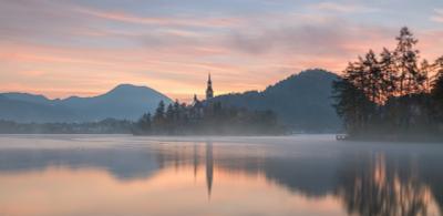 Туманный Блед Блед Словения Альпы Alps Bled Slovenia озеро рассвет