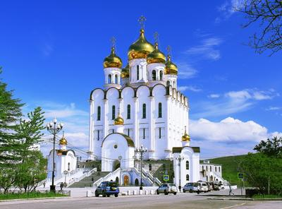 Свято-Троицкий собор (г.Магадан) Собор небо облака белый