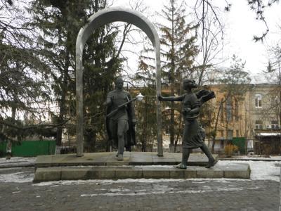 Первомайск  , памятник воину - освободителю