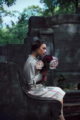 Memento цветы, пион, портрет, девушка, платье, vintage, Kuzmin, Александр Кузьмин
