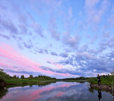 Время белых ночей. Пермский край Соликамский р-он Верхнее Мошево Мошевица вечер после заката июнь белые ночи