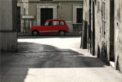 Красное авто Майорка Испания город улица красная машина авто