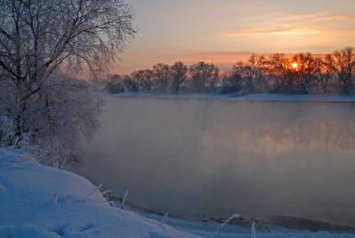 Теплый февраль. река зима солнце