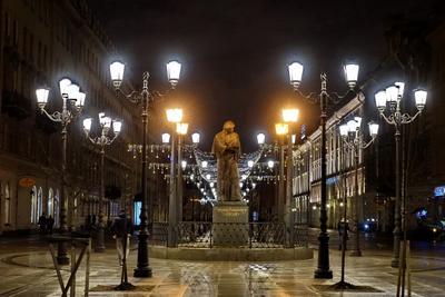 Гоголь Город памятник ночная съемка Гоголь