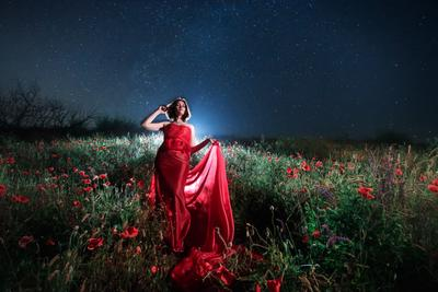 *** canon 6d 17mm poppy portrait girl flowers night long exposure stars