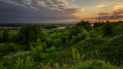На слиянии двух рек. восход слияние рек красоты средней полосы России