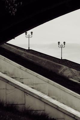 Фонари под мостом