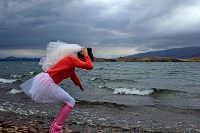 Девичник на Байкале. свадьба невеста байкал штор море ураган девичник