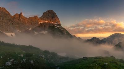 Утро в Альпах горы Альпы Австрия Карвендель туман поход природа пейзаж рассвет