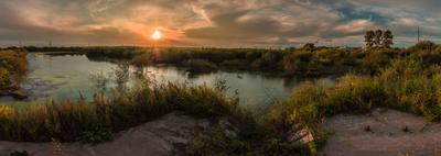Заброшенное озеро. закат озеро вода лето тучи