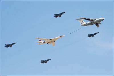 С дозаправкой - долетим!) Москва, Парад Победы, 9 мая, самолет, заправка, Ту-160