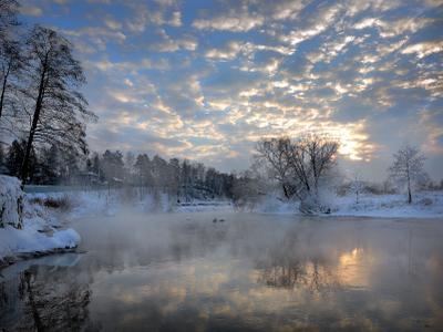Закатный этюд.... закат река солнце свет снег небо