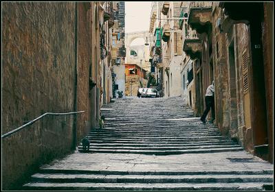 ***тихий час*** Мальта, Валлетта, город, ступеньки, кошки
