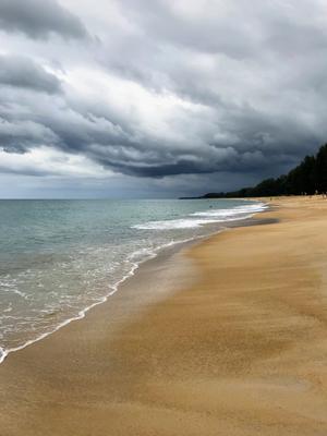 Тучи на океаном океан тучи облака пляж