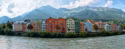 Горы. Река. И кусочек Инсбрука. австрия инсбрук Innsbruck инн река горы набережная город лето вечер