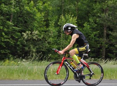 Триатлон - велогонка 40 км (7) триатлон участник_4-е_место_ в_группе_40-49_лет велосипедная гонка 40 км шоссе Вантаа Большой_Хельсинки Kuusijärvi Vantaa Finland