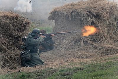 Бой великая отчественная война реконструкция солдат бой бородино