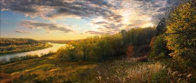 *** осень вечер река лес склон даль облака