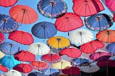 Раскрыты зонтики... город весна зонты небо