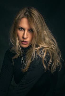 Елена девушка портрет красивая студия женщина