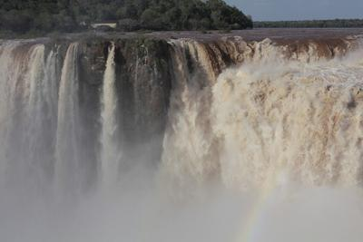 Умиротворенная стихия Игуасу водопад