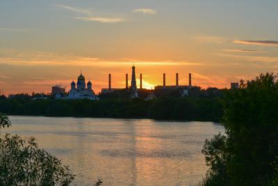 На закате дня. закат лето монастырь природа московскаяобласть