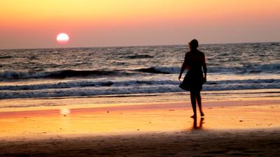 не одиночество закат девушка Индия океан