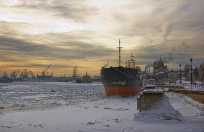 Морозный день Петербург, Нева, порт, лед, холодно