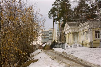 * Апрель * весна апрель город дома снег