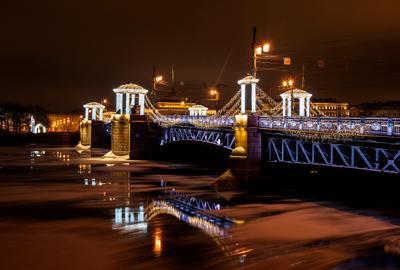 Санкт-Петербург, Дворцовый мост