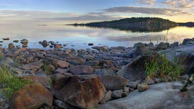 Пейзаж с выходом пейзаж ладога ладожское озеро камни закат