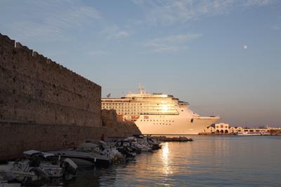 Пустите припарковаться:-) Rhodes,  Ελλάδα, Costa Atlantica